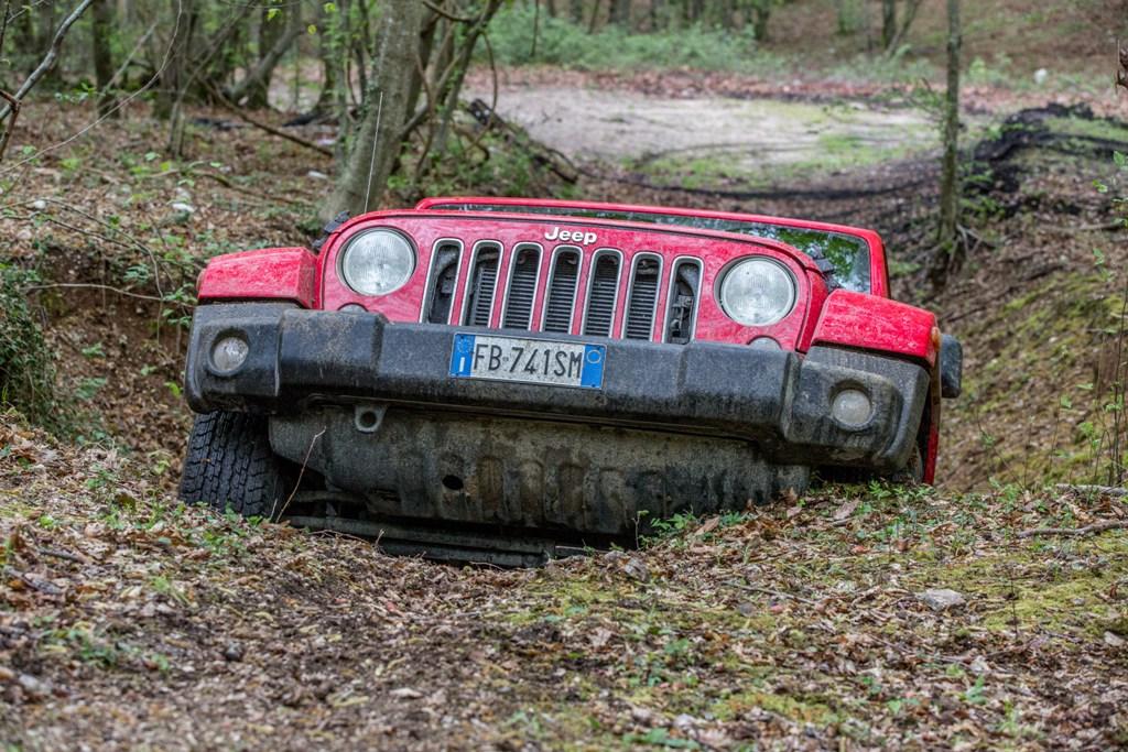 Jeep Wrangler, grande capacità di superare ostacoli grazie agli angoli ottimali