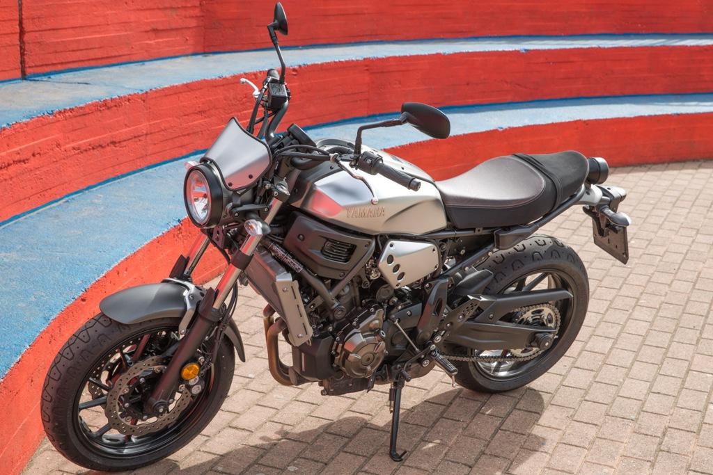 La XSR700 è caratterizzata anche dalla sella two tone