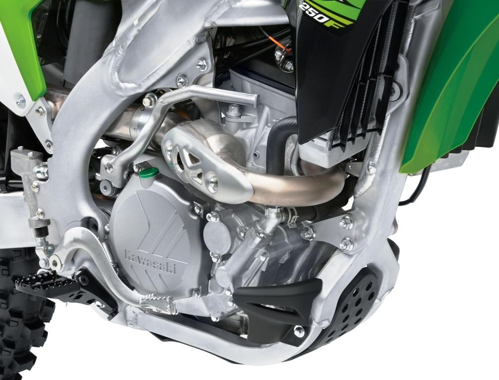 KX250F 2017, motore aggiornatissimo