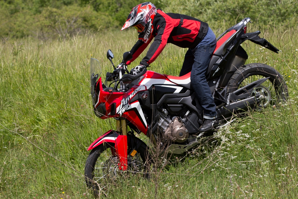 una vera ON/OFF questa sorprendente africa twin da 998 cc e 95 Cv