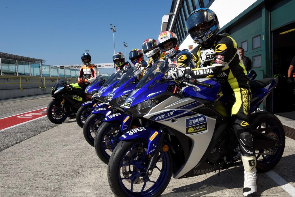 i 5 rider pronti per l'ingresso in pista a Misano