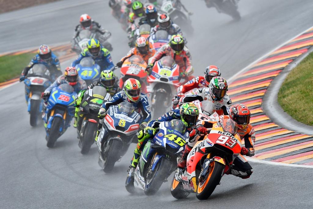 motogp germania 2016, partenza con Rossi secondo