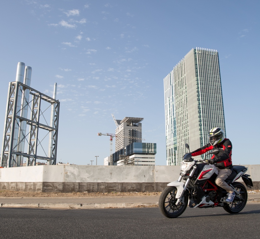 Benelli 251 vive in città la naked entry level