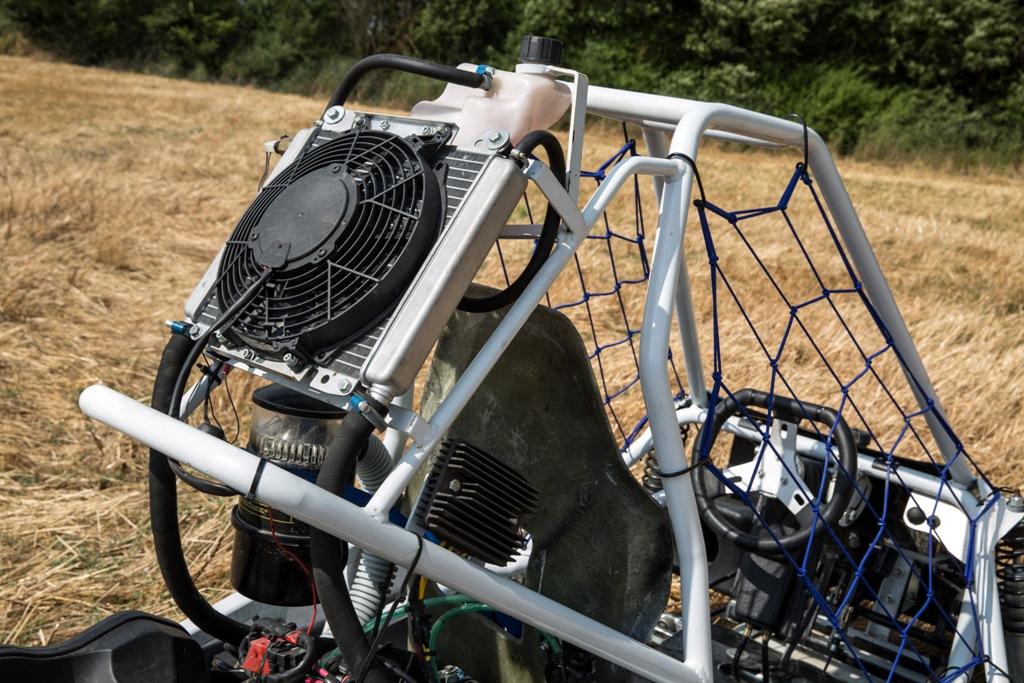 GO PRO Tavoni 300 cc, l'abitacolo del modello da noleggio