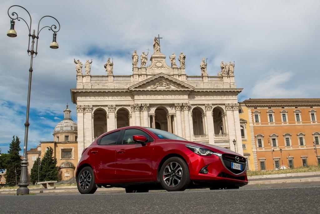 Mazda 2 a Roma