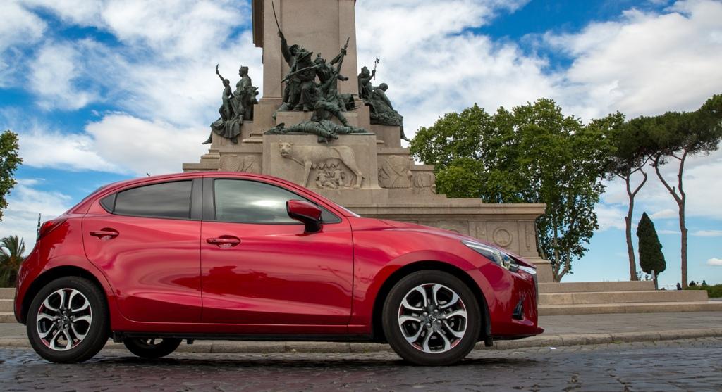 La Mazda 2 è un'utilitaria sorprendente