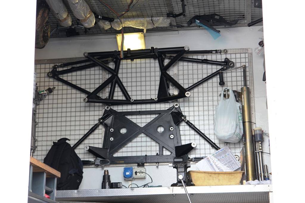 sistema di ancoraggio sospensioni della 208 GTi T16 R5