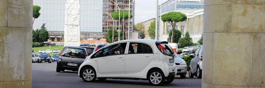 Ion peugeot è vettura elettrica urbana e non solo