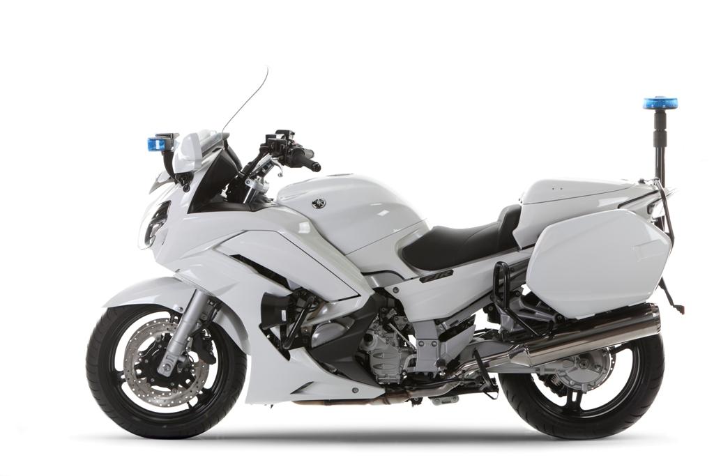 la FJR1300 in dotazione alla polizia di milano con allestimento specifico