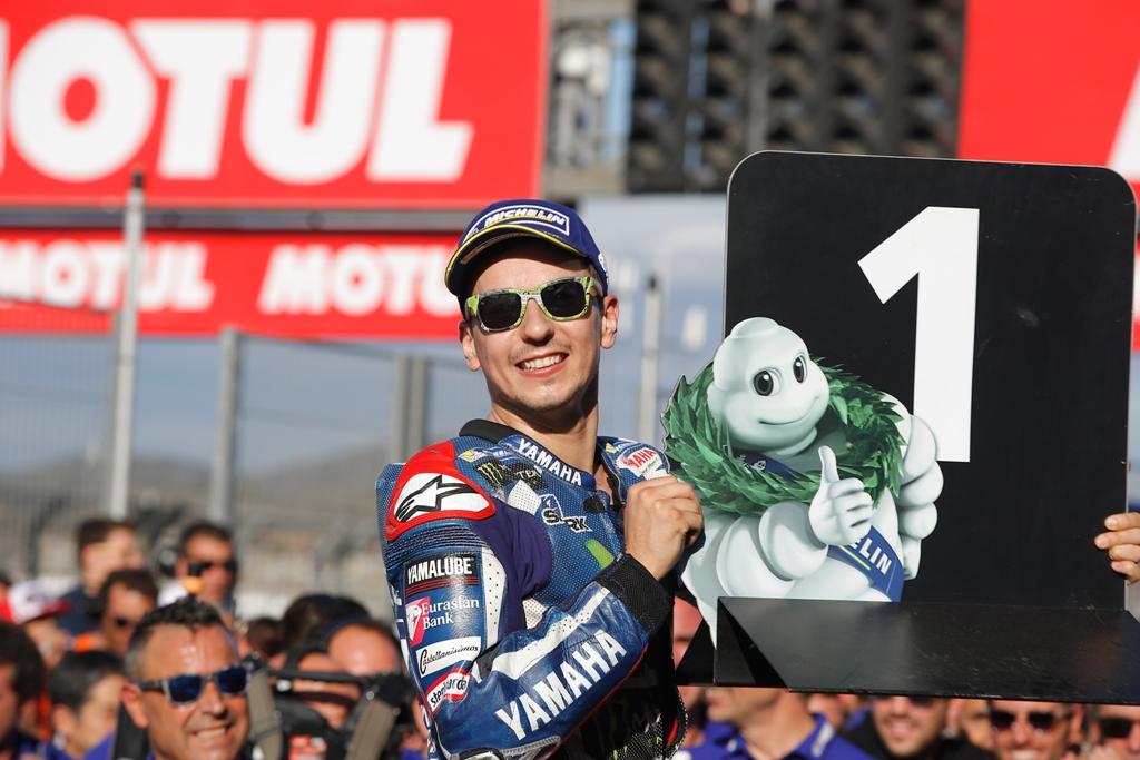jorge lorenzo chiude la stagione con questa vittoria speciale e che dedica a Yamaha