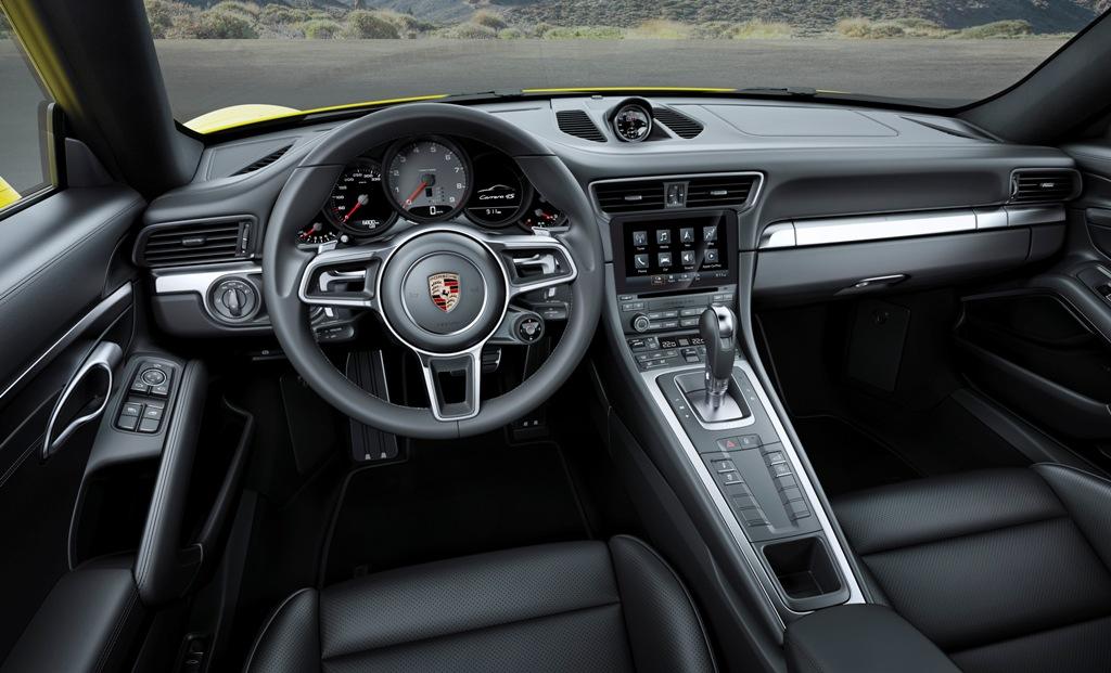 Posrche Carrera 4S Cabrio. la plancia ed il tasto Response