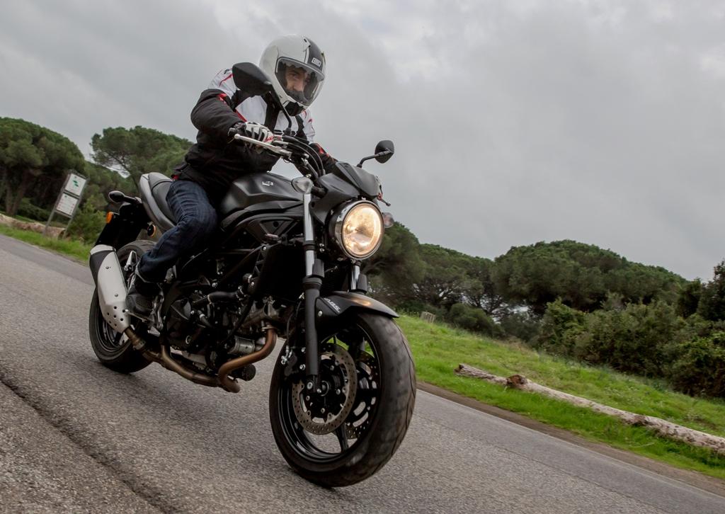 SV650 ABS 2016, la naked per eccellenza con una lunga storia...