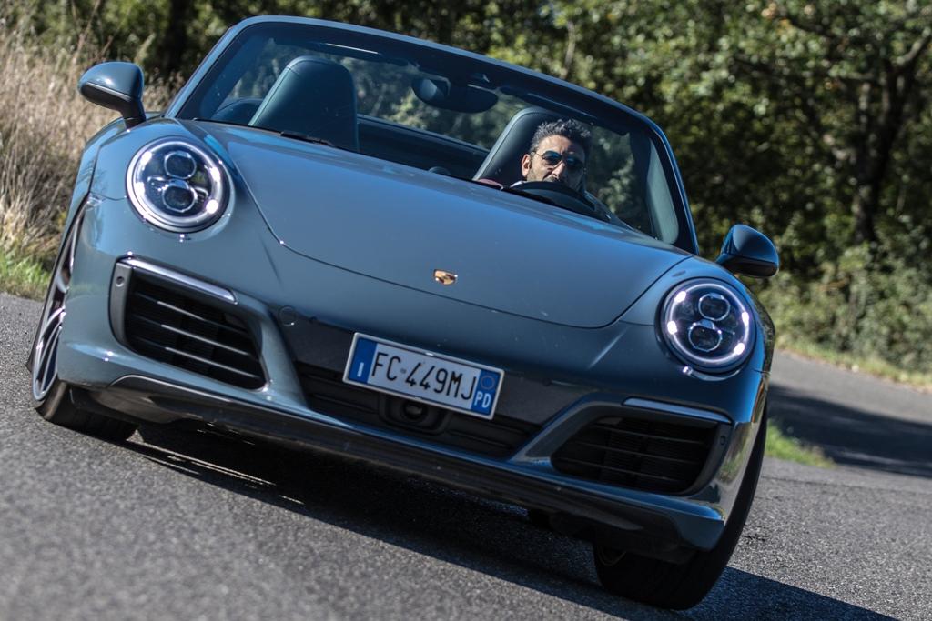 Porsche Carrera 4S Cabrio, incollata a terra anche sul misto stretto