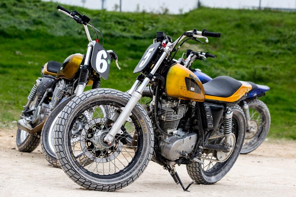 le SR400 Deus Yamaha deò corso