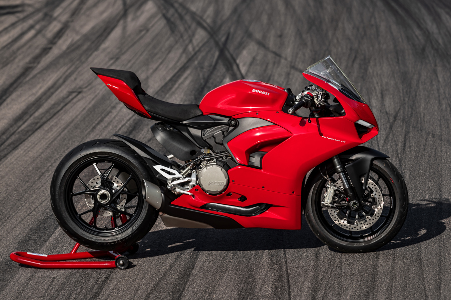 panigaleV2-Ducati-performancemag.it