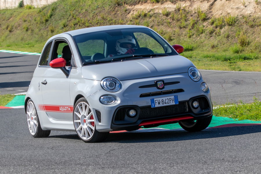 prova-abarth595esseesse-performancemag.it