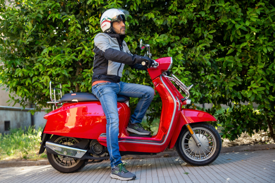 performancemag.it-gocycle-Vs-Lambretta