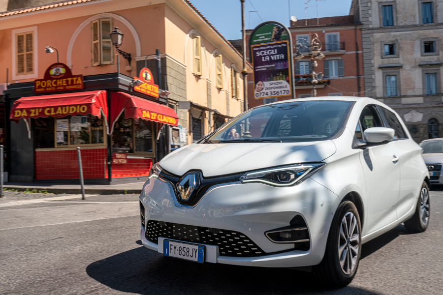 performancemag.it-RENAULT-ZONE-vs-LITTLE-BOARD