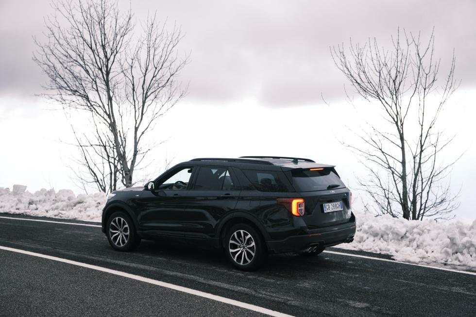 Ford Explorer plug-in hybrid 2021-performancemag.it 2021