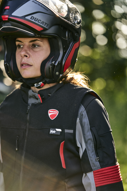ducati-smart-jacket-dainese-performancemag.it-2021