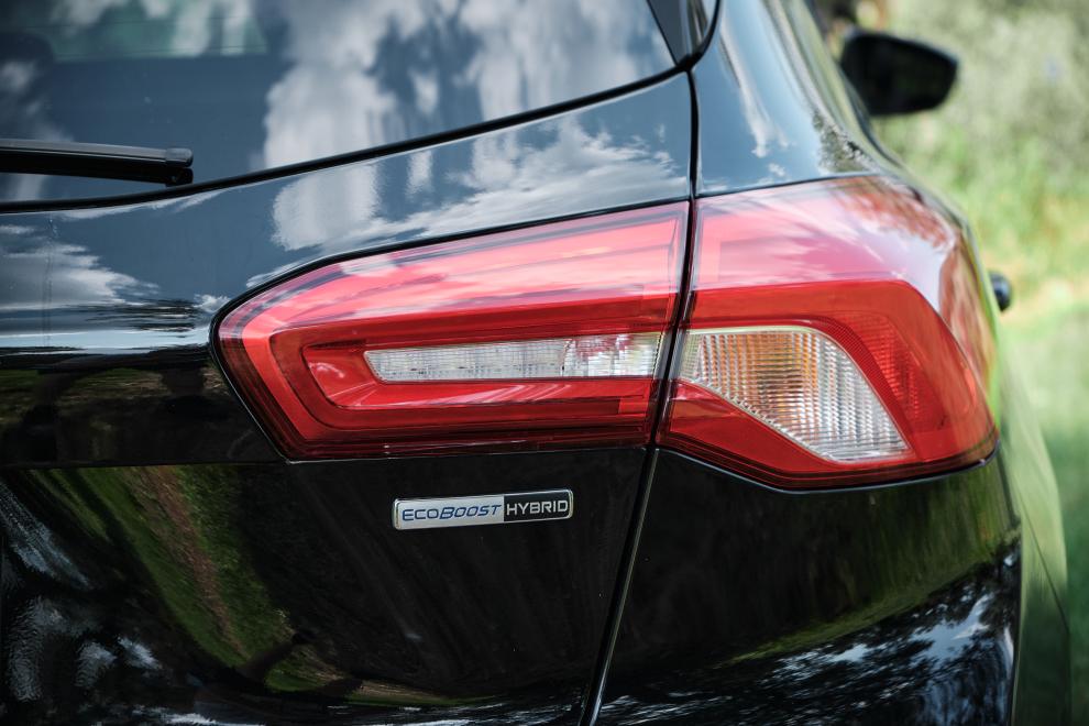 Ford-FOCUS-ST-Line-EcoBoost-Hybrid-performancemag.it-2021-