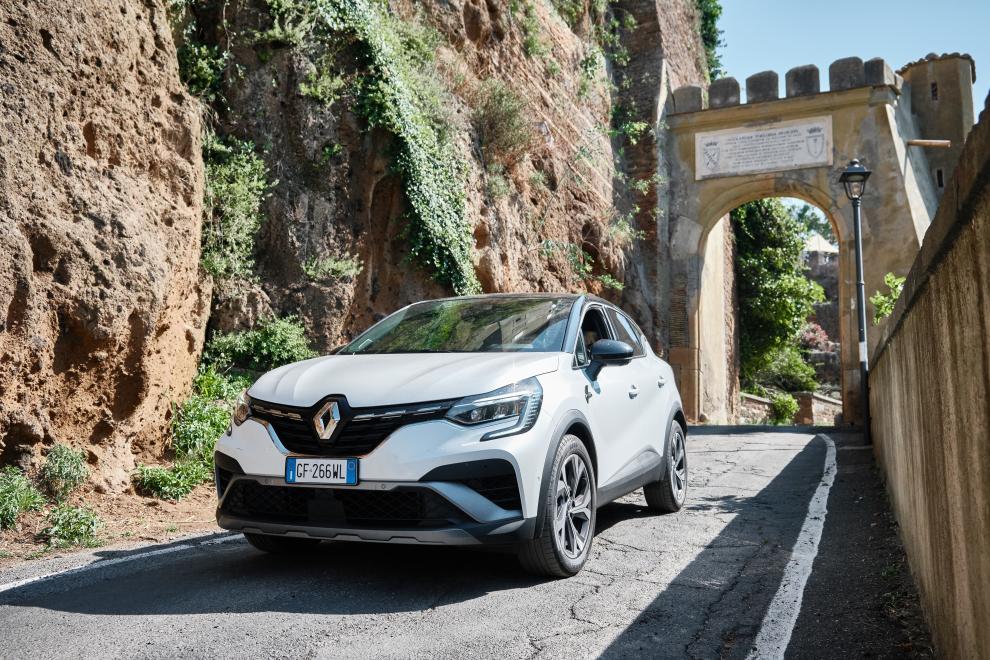 Renault-Capture-E-TECH-145-performancemag.it-2021