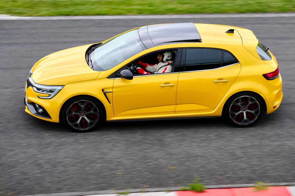 Renault-Megane-R.S.-Trophy-2021-performancemag.it-2021